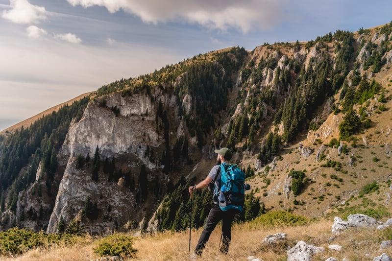 adventure-backpack-beautiful-view-2207571
