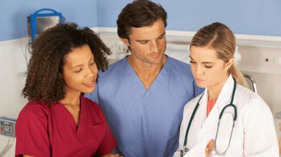 nurses-working-together